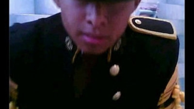 Mexicano chacal militar presume el uniforme Mexican soldier naked and uniform