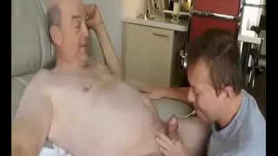 Real Daddy and son get fun together